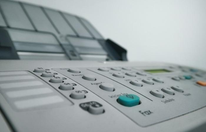 사진: 팩스보내기에서 가장 중요한 것은 희색 바탕의 바닥에 놓고 사진을 잘 찍는 것이다. 선명한 팩스를 보내려면 연습을 해 놓으면 좋다. [SK모바일팩스어플 - 인터넷 모바일팩스보내기]