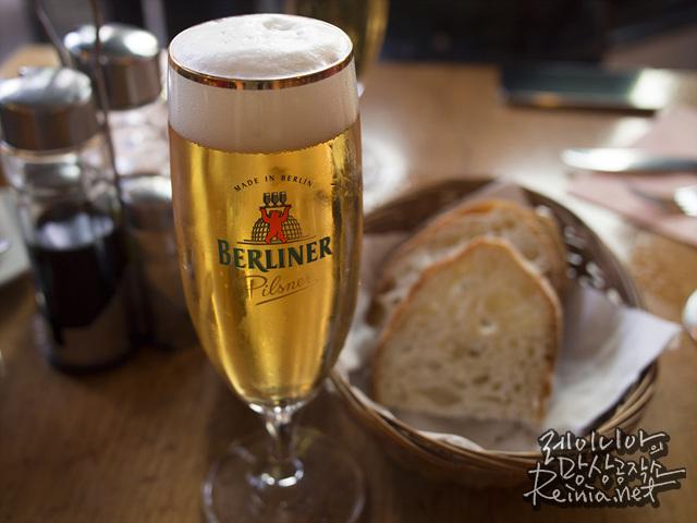 거품의 비율이 아름다운 맥주