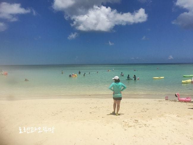 괌 하얏트 호텔 풀장 이용과 투몬비치7