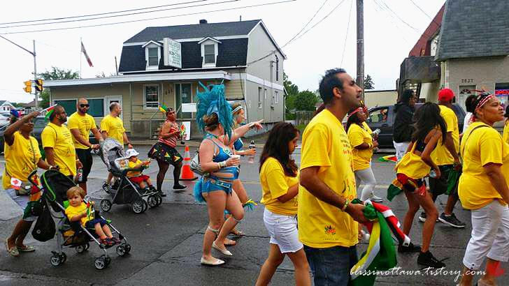캐러비안-캐나다 축제 퍼레이드입니다