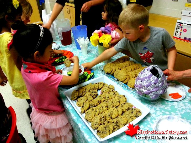 캐나다 Mother's Day 학교 이벤트