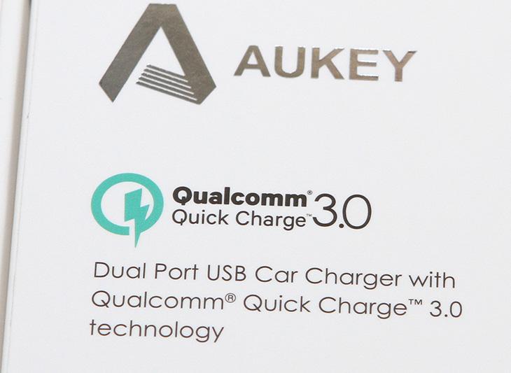 퀄컴 퀵차지 3.0 ,AUKEY CC-T7, 차량용 충전기,IT,IT 제품리뷰,퀄컴, 퀵차지, 3.0, AUKEY ,CC-T7, 차량용 ,충전기,스마트폰을 고속으로 충전하기 위해서 최신 기술을 사용해봅니다. 실제로 얼마나 빨리 충전이 되는지 살펴보죠. 퀄컴 퀵차지 3.0 AUKEY CC-T7 차량용 충전기에 대해서 알아보겠습니다. QUALCOMM에서는 고속 충전을 위해서 Quick Charge 기술을 제공하는데 최신 3.0은 1.0보다는 두배가 빠르고 2.0보다는 35% 더 효율적 입니다. 기존방식보다는 4배가 빠르죠. 퀄컴 퀵차지 3.0 AUKEY CC-T7 차량용 충전기는 최신 기술을 제공 합니다. 실제 사용시 6.5V 9V 12V를 자동으로 선택해서 단위별로 자동으로 선택하여 고속으로 충전을 하게 해줍니다.