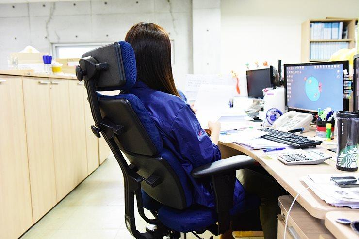 자세교정의자,하라체어,하라테크,하라체어니체,기능성의자,교정의자,하라,,허리통증의자,허리의자,디스크의자,사무실의자,회의실의자,편한사무실의자,중고사무실의자,의자쿠션