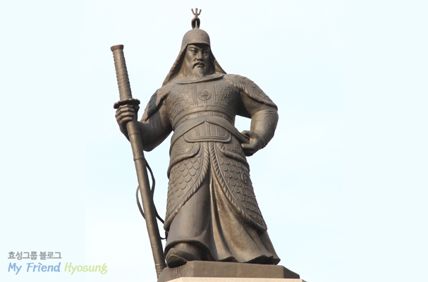 Admiral Yi is a hero who dedicated his life to save the country in a desperately dangerous situation.