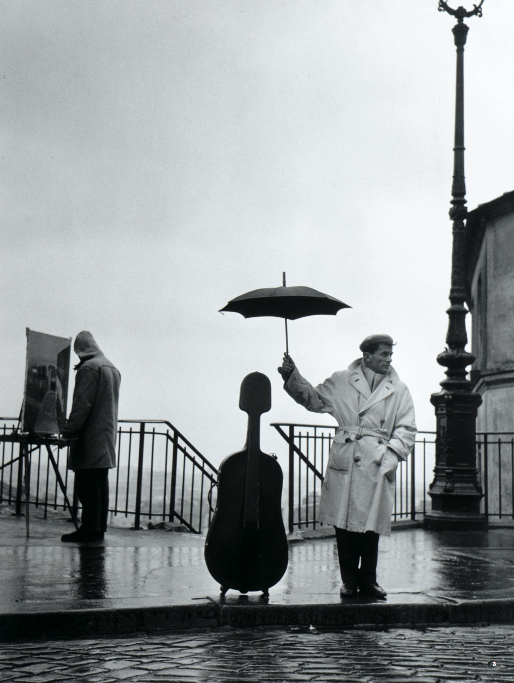 3.'빗속의첼로,파리 (Cello in the Rain, Paris)', gelatin silver print, 40×30cm, 1957