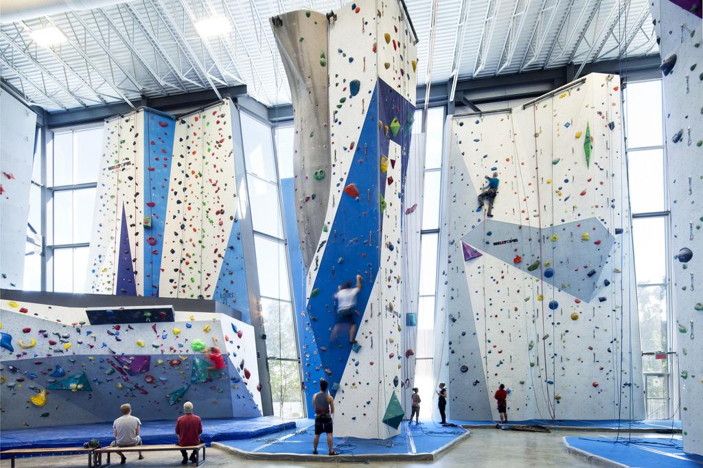 *인도어 클라이밍 센터 [ Smith Vigeant Architects ] Centre d'escalade Allez-Up