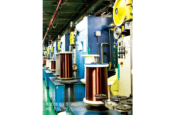 Sam Dong succeeded in being the first in Korea to develop complete oxygen-free copper after hard work and efforts. The 99.99% pure oxygen-free copper then undergoes the process of rolling and coating to finally become copper coil.