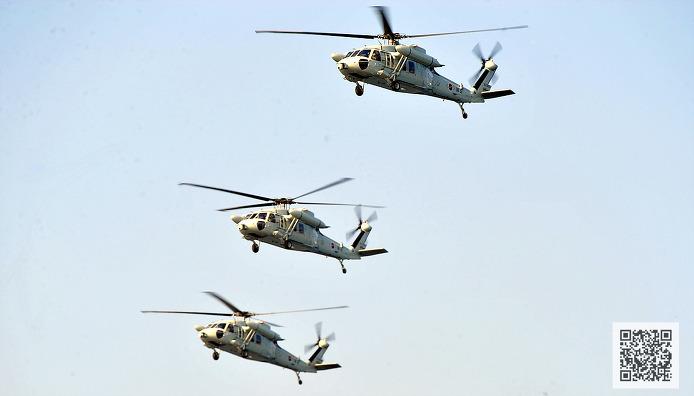 UH-60 편대 비행 ⓒMediaPaPaer.KR 오세진 사진기자