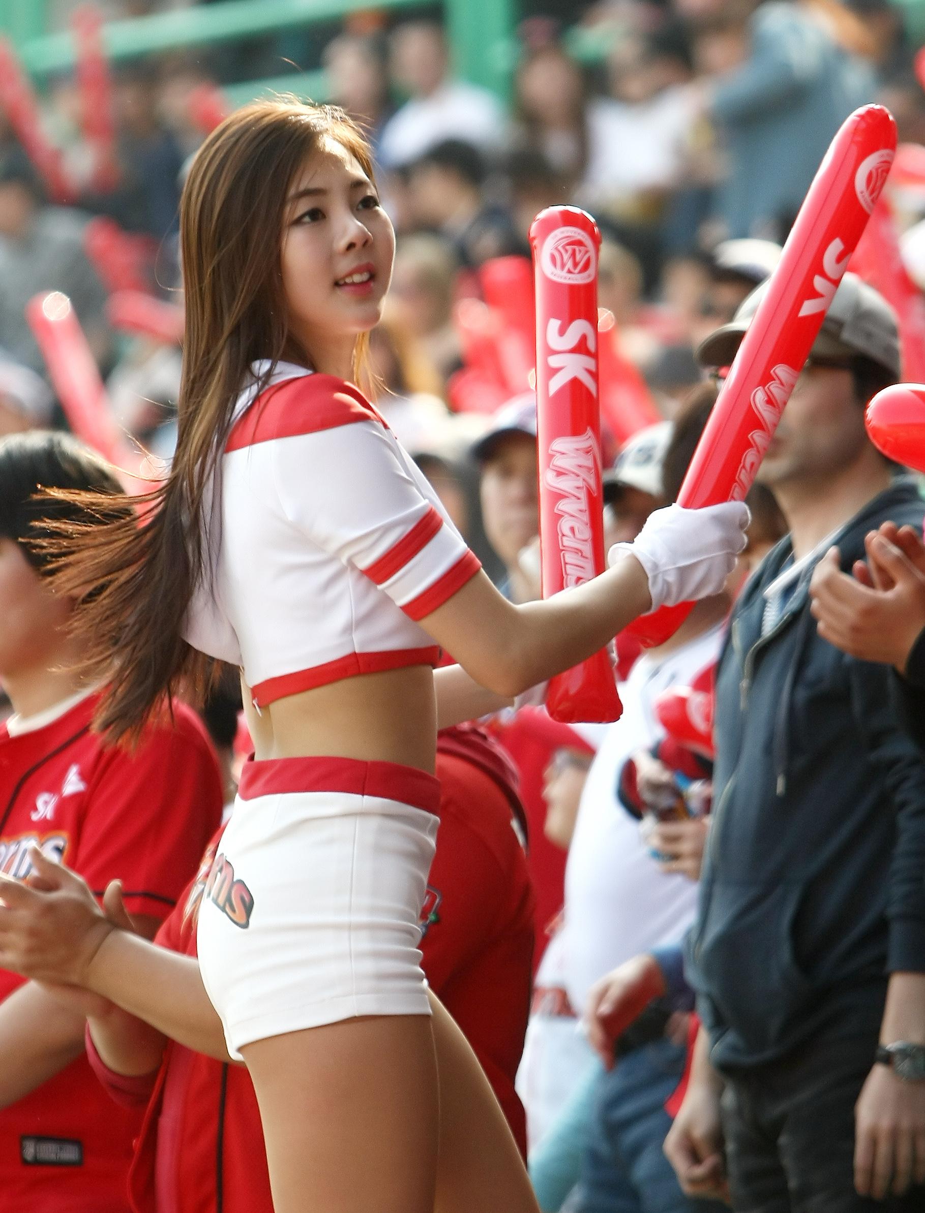 [야구]SK 치어리더 강윤이,화사한 미소