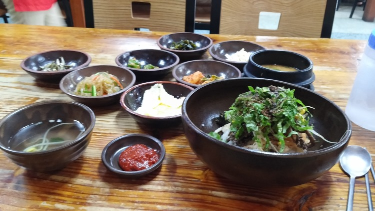 jeju bicycle round day 2 비빔밥 as lunch at 안거리밖거리