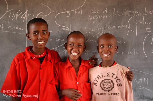 케냐의 아이들은 HoE의 활동을 통해 교육의 꿈을 키워가고 있다