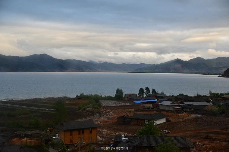 운남, 사천의 경계 - 비오는 날 루구호(泸沽湖) 여행
