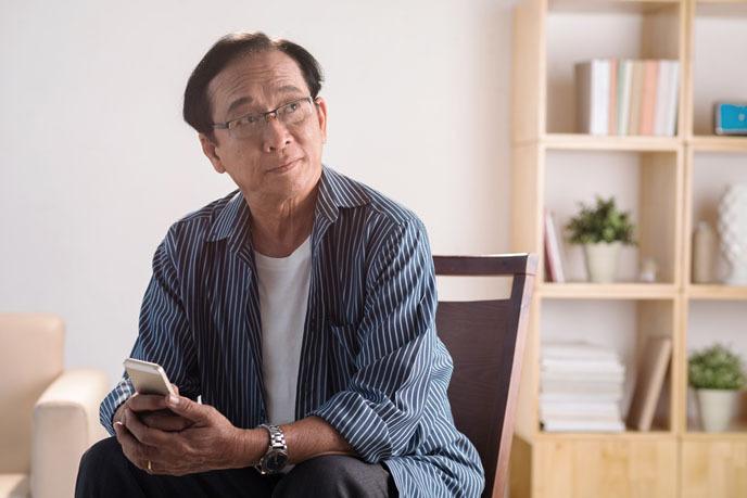 부모님 스마트폰 살 때 고려해야 할 점