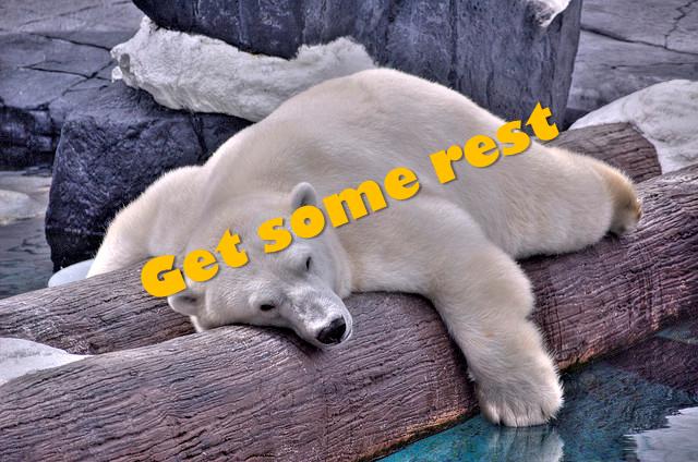 'take a rest' 영어 표현, 원어민은 'get some rest'