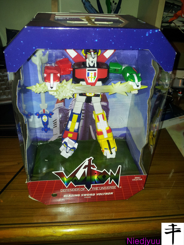 Mattel Voltron-SDCC Edition-Innerbox front