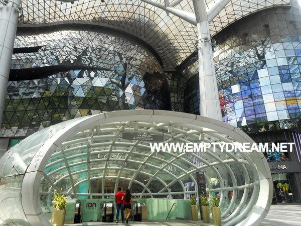 싱가포르 아트 테마 여행 - 아이언 오차드 ION Orchard 쇼핑몰 갤러리
