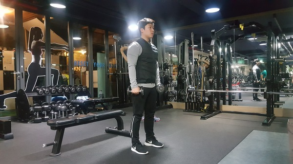균형잡힌 섹시한 어깨라인 만들기 운동[어깨 측면부 운동]