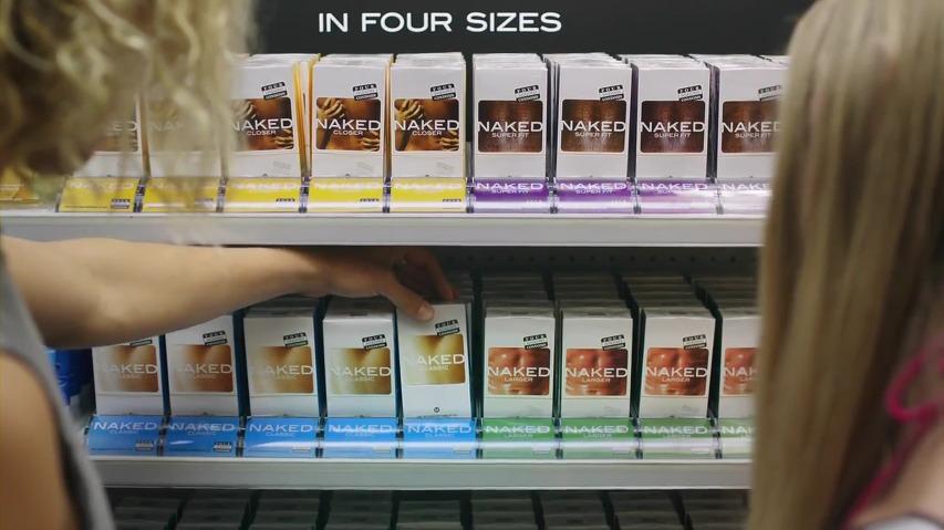 심의에 걸려 화제가 되었던 포시즌즈 콘돔(Four Seasons Condoms)의 네이키드(Naked) 콘돔 광고 [한글자막]