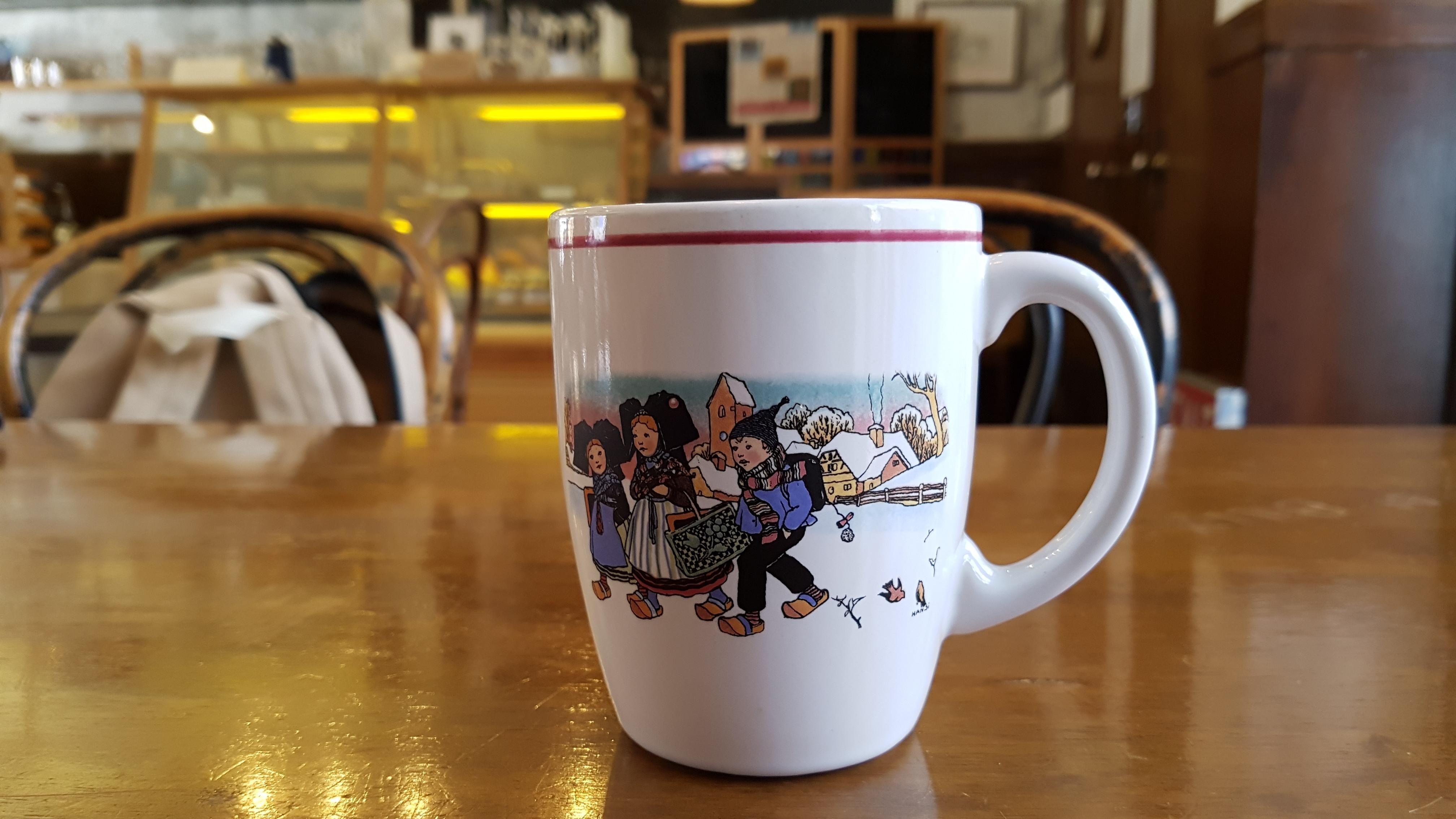 MANDERLEY, [수유 카페] 멘델리 - 인테리어가 정말 죽여줘요!!, 가격, 공부, 궁궐 빨래, 궁중 빨래, 귀여운 컵, 김스타, 단체 손님, 동네 카페, 뚜딱, 만달리, 메뉴, 메뉴판, 메인홀, 멘델리, 북한산, 빨래골 유래, 빨래골 카페, 속옷 빨래, 수다, 수유, 수유 빨래골, 수유 카페, 식물, 아메리카노 가격, 야외, 양장본, 음료, 인테리어, 재즈 카페, 책, 책 읽는 카페, 커피 맛, 컴퓨터, 특이한 화장실, 화장실, 흑인 재즈 카페