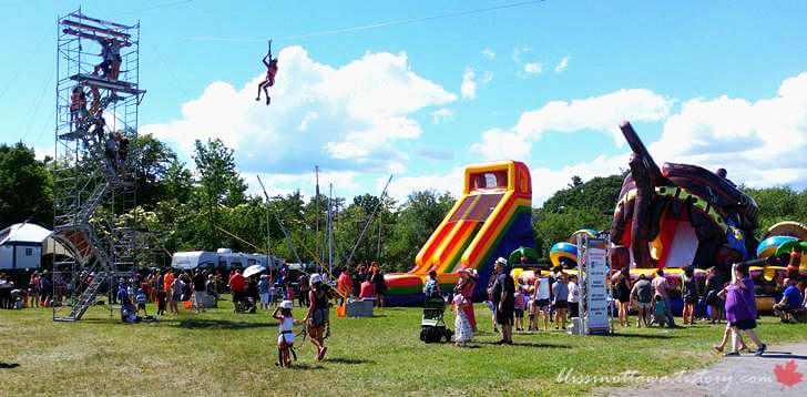 캐나다 원주민 여름 대축제입니다
