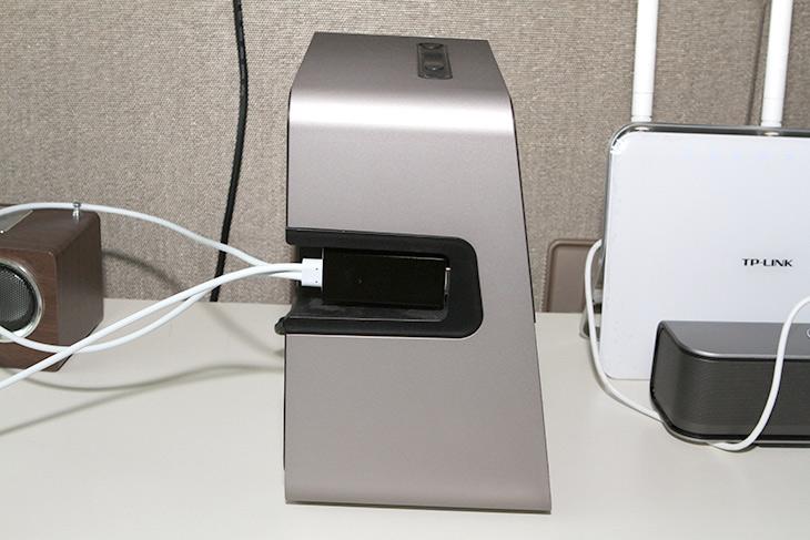 TV 모니터만으로, 셋탑 없이, 올레tv모바일, TV 보기,IT,IT 인터넷,셋탑박스 없이도 스마트폰으로 TV봅니다. 요즘은 그런 세상이죠. TV 모니터만으로 셋탑 없이 올레tv모바일로 TV 보기를 해보도록 하겠습니다. 물론 한가지 장치가 필요하긴 합니다. TV와 스마트폰을 연결해줄것이 필요하죠. 참고로 KT IPTV를 이미 보고 있는 분이라면 올레tv연결을 통해서도 볼 수 있습니다. TV 모니터만으로 셋탑 없이 올레tv모바일로 TV 보기를 하려는 이유는 제가 셋탑을 다른것을 쓰고 있어서 인데요.