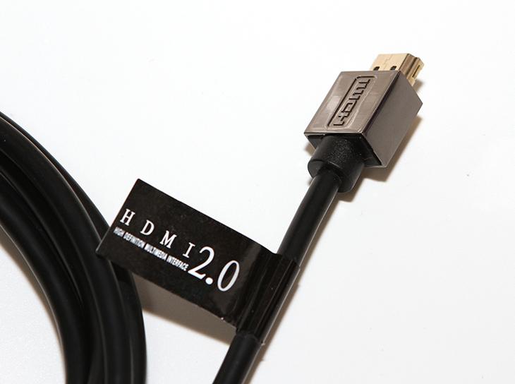 HDMI 2.0 케이블, PLEOMAX PHC-20, 4K 지원,IT,IT 제품리뷰,HDMI 2.0,플레오맥스는 IT주변기기및 악세서리를 만드는 곳으로 유명한데요. 괜찮은 모니터 케이블이 있네요. HDMI 2.0 케이블 PLEOMAX PHC-20을 소개할것인데 4K 지원을 하는 고스펙의 제품입니다. 케이블은 기본으로 제공하는 제품을 써도 되긴 하지만 좀 더 긴 케이블이 필요한 경우라면 구매하면 괜찮습니다. 제 경우에는 모니터 암때문에 긴것이 필요하네요. HDMI 2.0 케이블 PLEOMAX PHC-20는 여러가지 길이 단위로 판매하고 있어서 선택폭이 넓습니다.