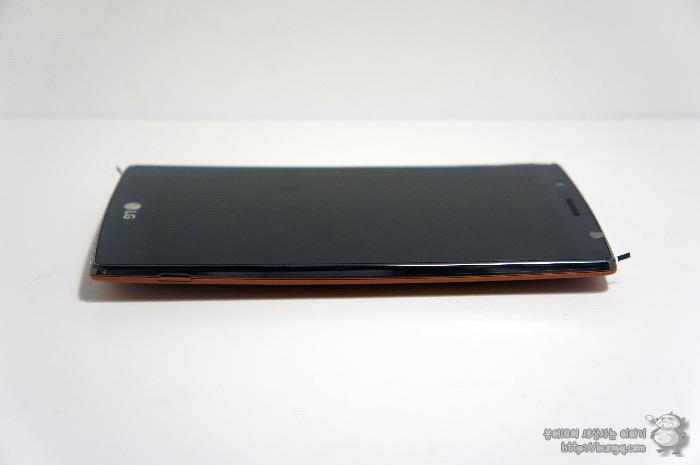 LG G4, 개봉기, 디자인, 특징