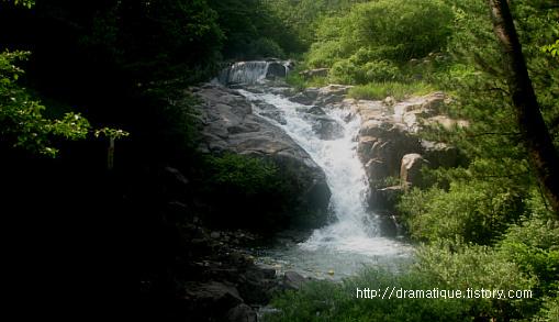부산의 추천 피서지-장산 폭포사계곡