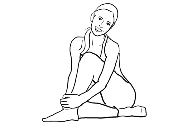 굽힌 무릎 감싸안기