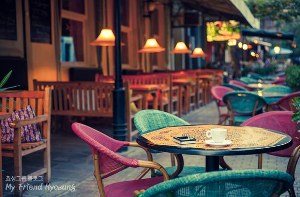조용하고 멋진 카페 이미지샷입니다.