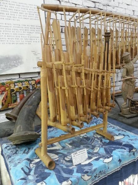인도네시아 전통 악기 - 앙쿨롱