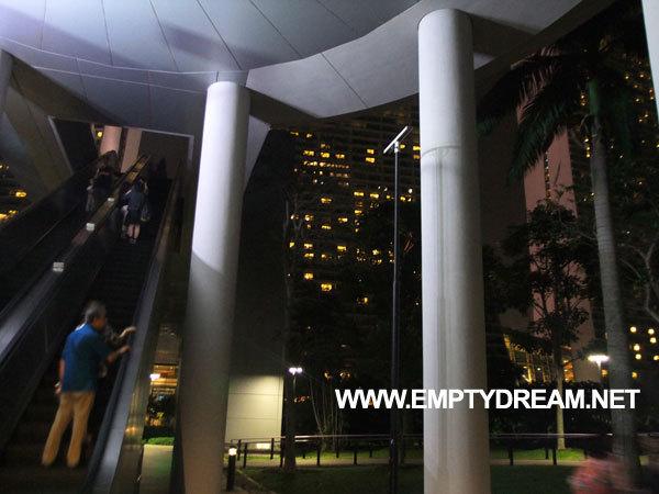 싱가포르 여행 - '가든스 바이 더 베이'에서 '헬릭스 브릿지'까지 걸어가기