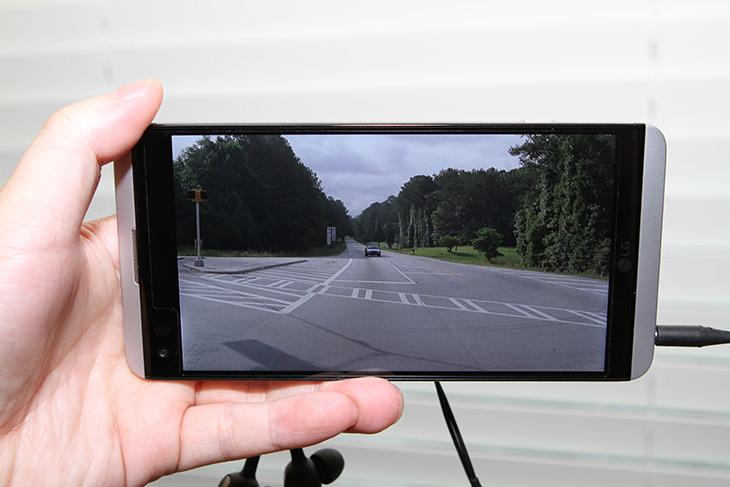 LG V20, B&O, 이어폰, 카메라, 사운드 ,화질 ,모두, 놀라워,IT,IT 제품리뷰,최신 스마트폰에 대해서 살펴봅니다. 기대하는 그 폰인데요. LG V20 B&O 이어폰 카메라 사운드 화질 모두 놀라웠는데요. 쿼드 DAC이 적용되어 HiFi 음원을 이어폰으로 들을 때 더 고음질을 듣기 위해서 DAC를 따로 들고 다닐 필요가 없습니다. B&O와 함께 만든 사운드 게다가 이어폰도 제공합니다. LG V20 B&O 이어폰은 보통의 번들 이어폰과 확실히 달랐는데요. 착용감도 상당히 좋습니다. 카메라도 많이 달라졌는데요.