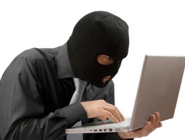 직원을 잠재적인 도둑 취급하는 회사
