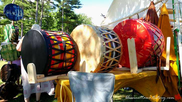 인디언의 가죽 드럼입니다