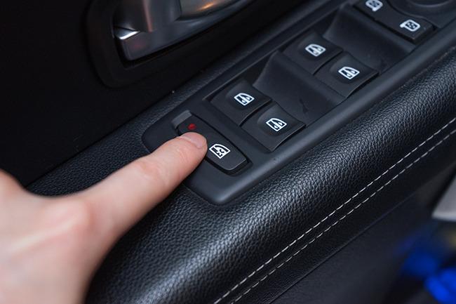 isofix부터 윈도우락까지 자동차 안전장치가 요기 숨어있었네?