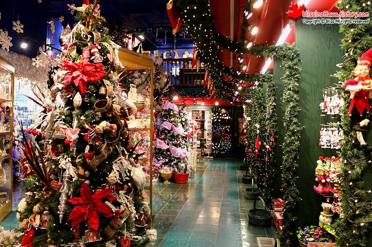 캐나다 동부 여행 퀘벡 시티 크리스마스 장식 전문점