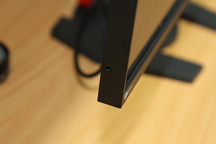 에이조, 모니터, EIZO ,FORIS ,FS2735, 리뷰,IT,IT 제품리뷰,꼭 한번 써보고 싶었던 모니터 였는데요. 드디어 실제로 사용을 해 보네요. 에이조 모니터 EIZO FORIS FS2735 리뷰를 올려봅니다. 전시회 등에서는 캘리브레이션을 하는 용도로 모니터 시연 되는 것을 보긴 했었습니다. 이 모니터는 144Hz까지 동작이 가능한 모니터 였습니다. 27인치여서 그전에 사용하던 모니터보다는 작아서 좀 아쉽긴 했는데요. 에이조 모니터 EIZO FORIS FS2735를 써보면서 게이밍 모니터에 대한 어느정도 확신도 생겼습니다. 좀 큰 모니터에 이정도 성능이라면 정말 최고겠다 이런 생각이 들더군요.
