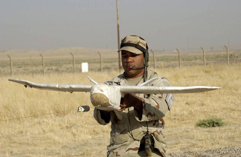 Desert Hawk 을 띄우는 모습
