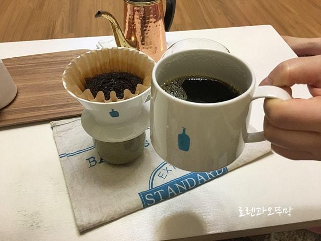 블루보틀 드리퍼로 핸드드립 커피내리기16