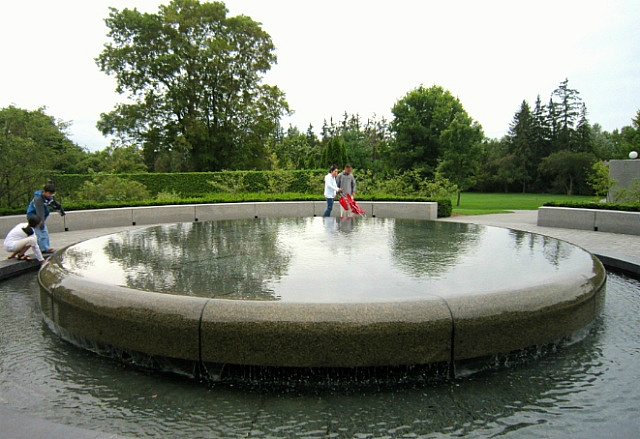 총독관저 분수 Rideau Hall Garden Fountain