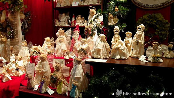 크리스마스 천사 인형 입니다.
