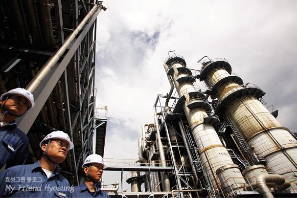 프로필렌은 에틸렌과 함께 석유화학산업에서 가장 중요한 위치를 차지하고 있습니다.