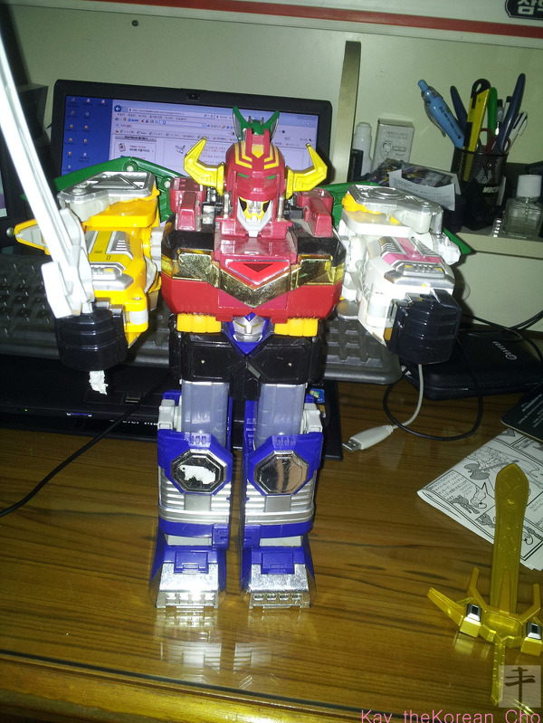 DX Galaxy megazord-with sword