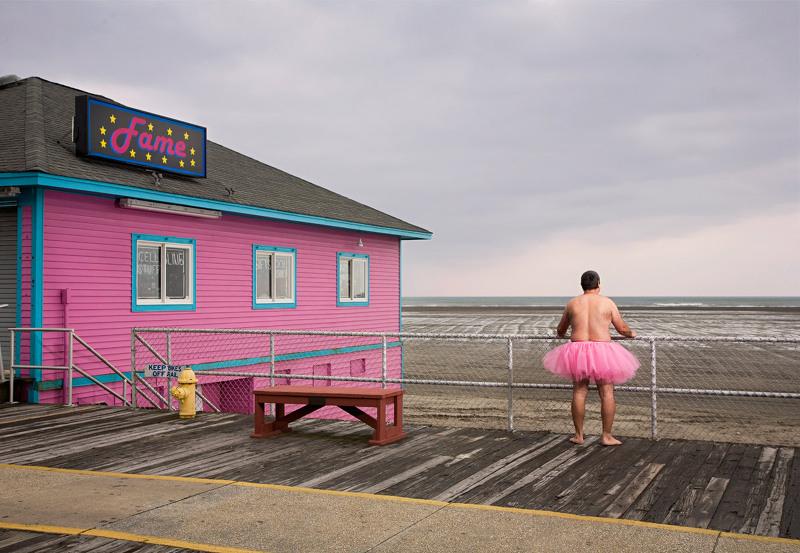 발레 드레스를 입은 중년의 아저씨, 밥 캐리(Bob Carey)의 유방암 환자 후원 프로젝트: The Tutu Project.