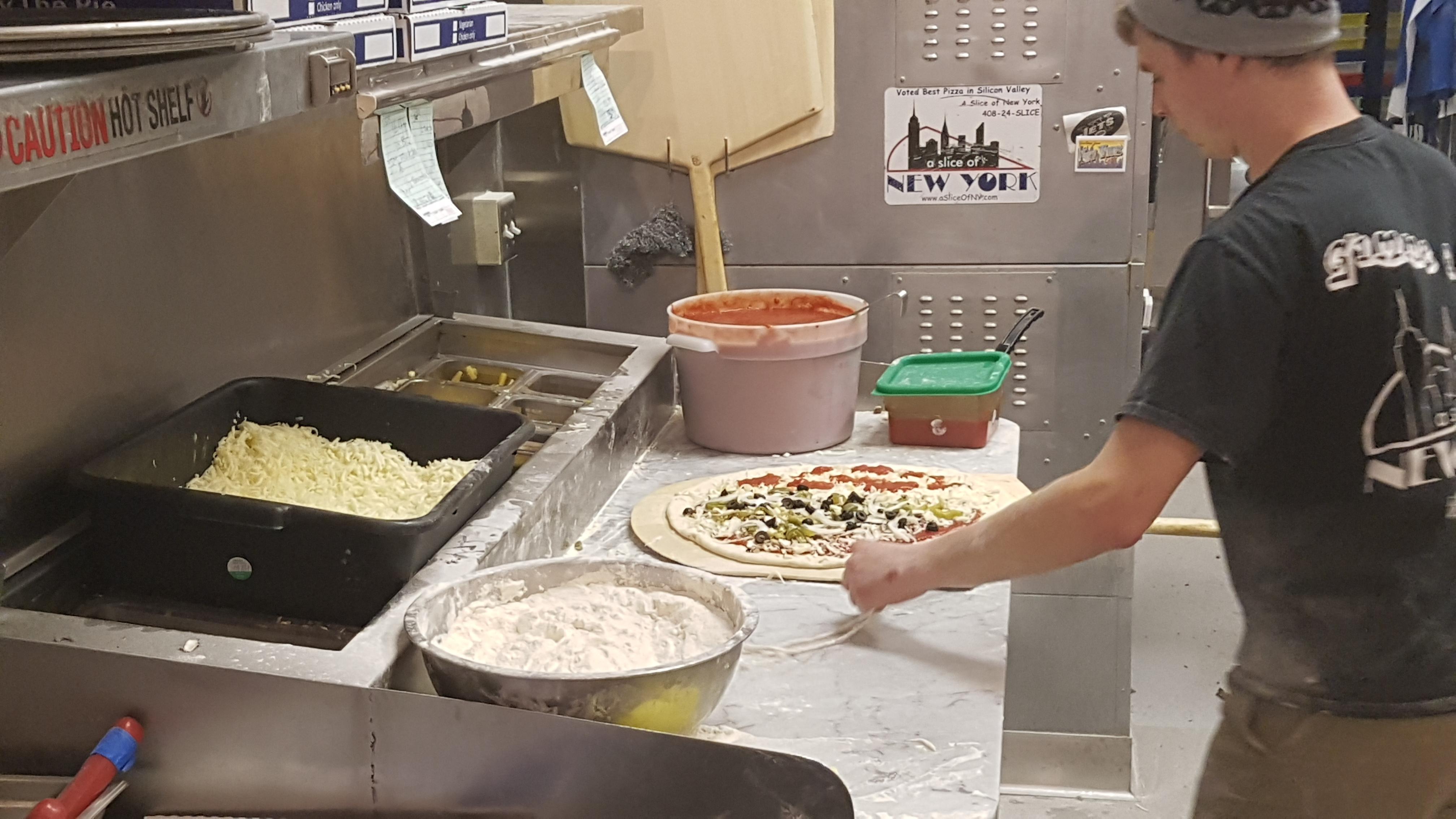 bensonhurst, Buffalo Chicken, ipa, large, new york pizza, pale ale, sierra nevada pale ale, The City, Times Square, [산호세] 미국에 왔음 미국 본토 피자를 먹어봐야지?, 가격, 간, 뉴욕 피자, 도우, 맛 차이, 맛집, 메뉴, 메뉴판, 미국, 미국 본토 피자, 미국 피자, 미국지사, 버팔로 치킨, 본토 피자, 사이즈, 산호세, 소스, 술, 자부심, 잘 나가는 피자집, 재료, 재료 듬뿍, 짱M, 쫄깃쫄깃, 치즈, 페일 에일, 프렌차이즈, 피자 비교, 피자마루, 피자스쿨, 피자와 어울리는 도우