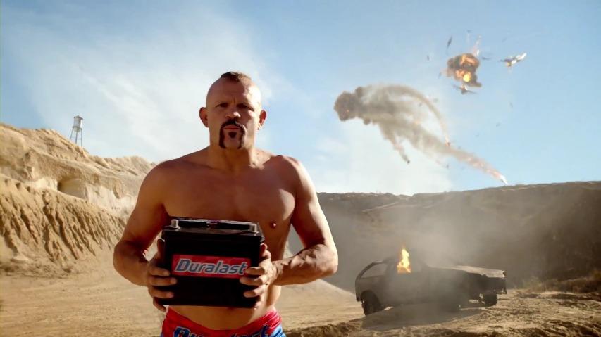 MMA 챔피언, 척 리델(Chuck Liddell)이 몸으로 증명하는 터프함 - 오토존 듀럴래스트 배터리(Autozone Duralast Battery) TV광고 'Walk the Walk'편 [한글자막]