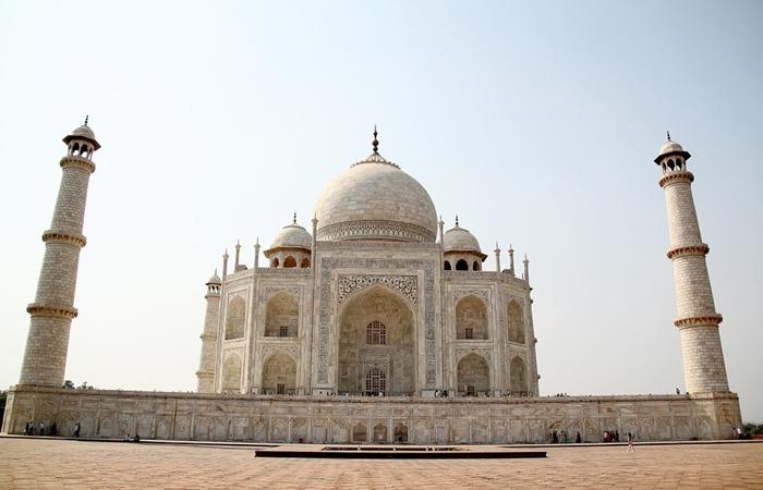사진: 아름다운 정제미, 수학적인 좌우 대칭, 섬세한 조각, 주변과의 어울림 등 인도 타지마할은 세계적인 문화유산이다. [타지마할, 세계 7대 불가사의인 이유]