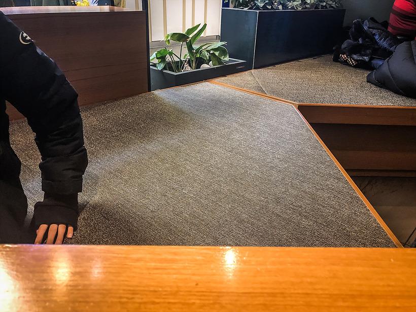 사월에 보리밥 좌석