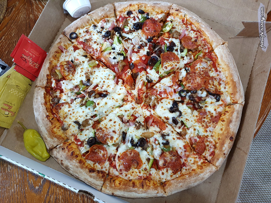본토의 파파존스 피자를 먹어봤습니다.